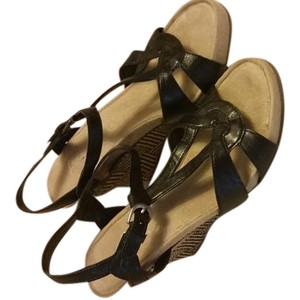 Aerosoles Black and Beige Sandals