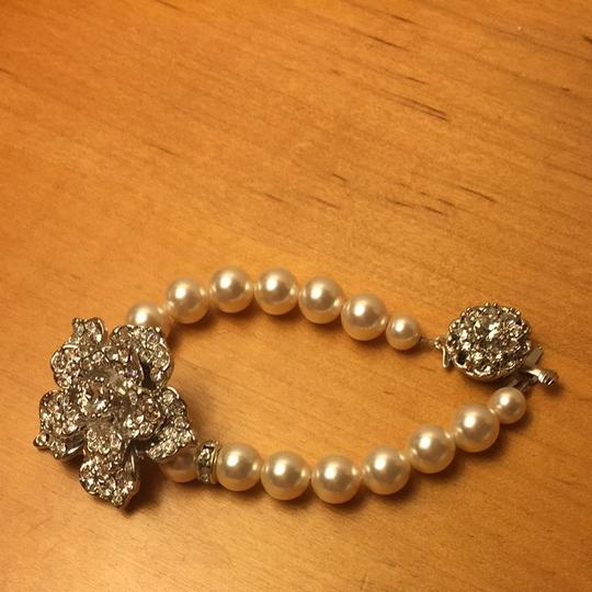 Swarovski Pearl Necklace And Bracelet Set