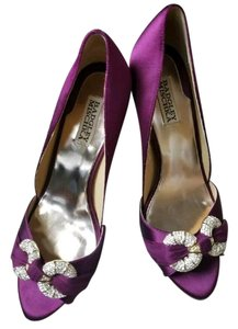 Badgley Mischka Wine Pumps