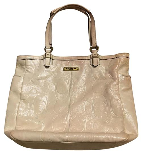 Preload https://item1.tradesy.com/images/coach-classic-white-leather-satchel-18980140-0-1.jpg?width=440&height=440