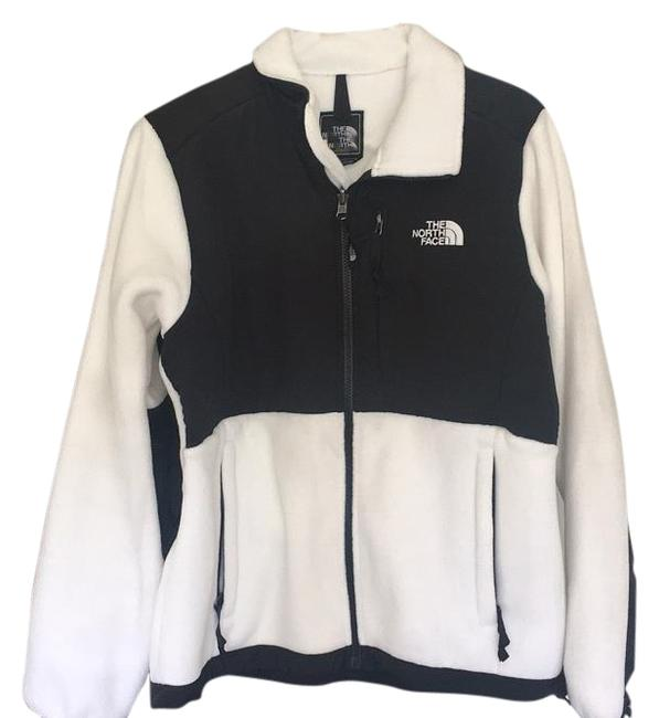 Preload https://item2.tradesy.com/images/the-north-face-whiteblack-activewear-size-8-m-18981661-0-1.jpg?width=400&height=650