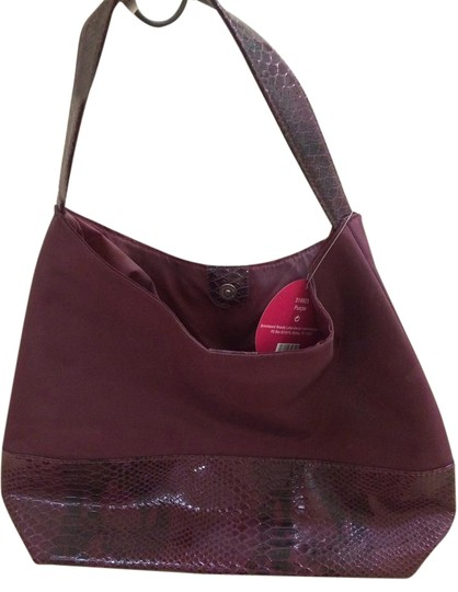 Preload https://item4.tradesy.com/images/burgandy-and-snake-skin-not-leather-tote-18982378-0-1.jpg?width=440&height=440