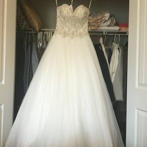 St. Patrick Brand New St. Patrick Pronovias Shika 2015 Glamour Wedding Dress