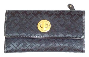 Tommy Hilfiger Checkbook Wallet Wallet For Women Handbag Wristlet in Black