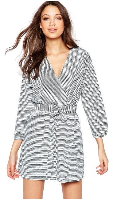 Preload https://img-static.tradesy.com/item/18983509/vero-moda-black-and-iris-tall-wrap-tie-above-knee-short-casual-dress-size-8-m-0-1-650-650.jpg