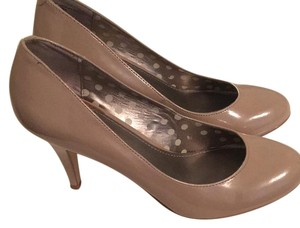 Fergalicious by Fergie Beige Pumps