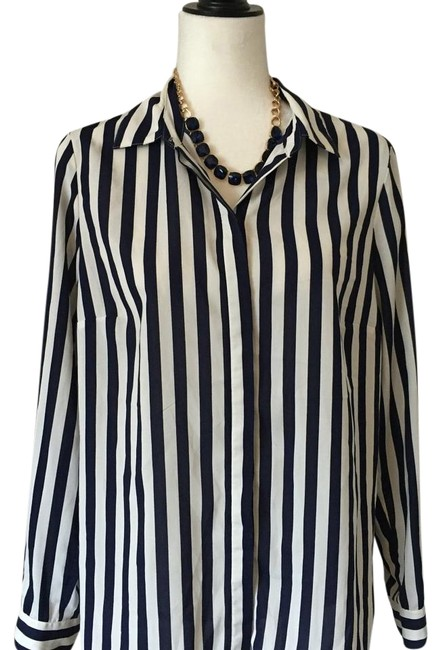 Preload https://item5.tradesy.com/images/coldwater-creek-button-down-top-size-10-m-18992194-0-1.jpg?width=400&height=650
