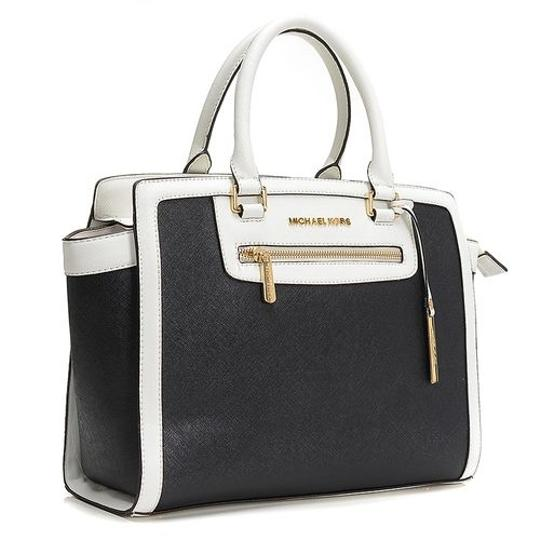 MICHAEL Michael Kors Selma Top-zip Canvas/Saffiano / Satchel in Black/Canvas