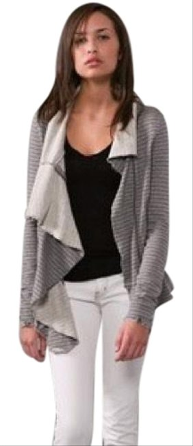 Preload https://img-static.tradesy.com/item/18993865/free-people-gray-ebb-and-flow-striped-jacket-size-8-m-0-4-650-650.jpg