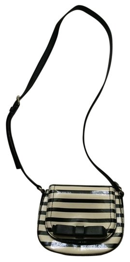Preload https://item3.tradesy.com/images/kate-spade-black-and-white-patent-leather-cross-body-bag-18994162-0-3.jpg?width=440&height=440