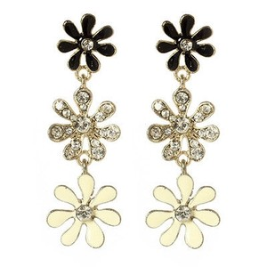 Amrita Singh Amrita Singh Gold Crystal Skyler Dangle Flower Earrings Erc 66