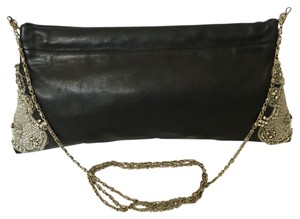 Mai sook Black Clutch