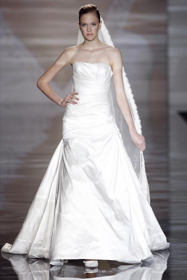 a7294d1c3219a Pronovias Off White Taffeta Hawaii Destination Wedding Dress Size 18 ...