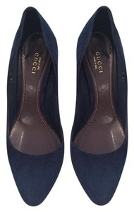 Gucci Navy Pumps