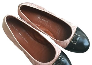 Marc by Marc Jacobs Blush and black Flats