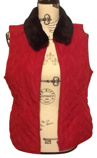 Preload https://img-static.tradesy.com/item/18997264/in-studio-garnet-quilted-pattern-with-removeable-faux-collar-vest-size-petite-12-l-0-1-650-650.jpg