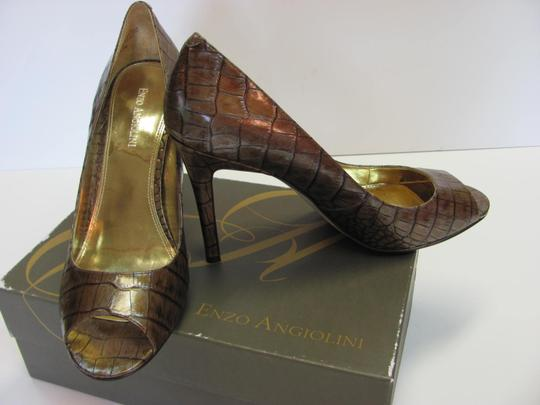 Enzo Angiolini Size 10.00 M Leather Reptile Design Very Good Condition Medium Brown Pumps