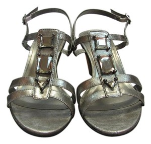 Karen Scott Size 7.50 M Silver Sandals