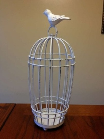 Preload https://item4.tradesy.com/images/white-wire-birdcage-card-holder-reception-decoration-189993-0-0.jpg?width=440&height=440