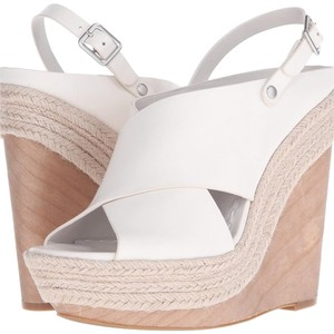 Alice + Olivia Bone Wedges