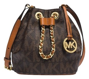 dade7aadcc67 Michael Kors Frankie Shoulder Bags - Up to 90% off at Tradesy