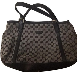 Gucci Tote in Signatute Brown