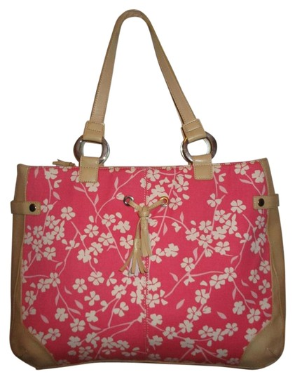 Preload https://img-static.tradesy.com/item/19004812/bath-and-body-works-canvas-tan-pink-and-white-fabric-faux-leather-tote-0-2-540-540.jpg