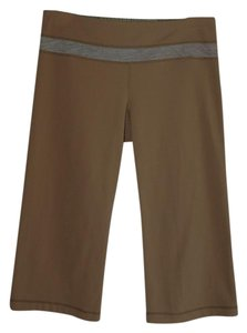 Lululemon crop groove pants khaki reversible