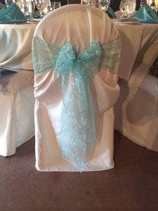 100 Ivory Polyester Chair Covers
