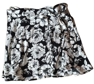 Abercrombie & Fitch Skirt Black and white