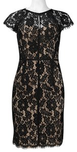 Monique Lhuillier Lace Sheath Cap Sleeve Dress
