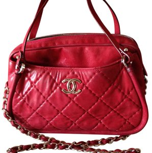 Auth Chanel Quilted Calfskin Leather Chain Shoulder Bag Burgundy Satchel in Burgundy