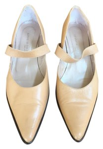 Kenneth Cole Tan (Camel) Pumps
