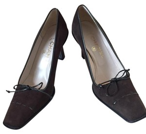 Chanel Size 38 brown Pumps