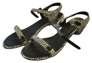 Chanel Tweed Pearl New Fall Black and white Sandals