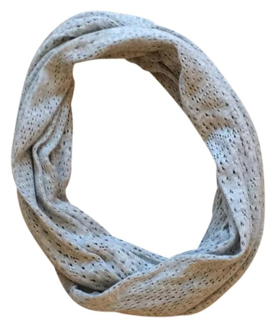 Item - Gray Scarf/Wrap