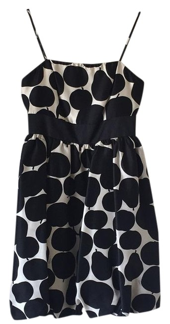 Preload https://img-static.tradesy.com/item/19015225/juicy-couture-black-cream-mid-length-cocktail-dress-size-0-xs-0-1-650-650.jpg