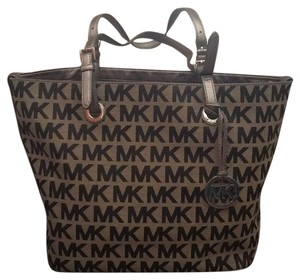 MICHAEL Michael Kors Tote in Gray/Metallic & Black