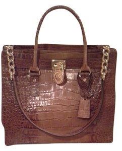 Michael Kors Unique Leather Tote in light brown