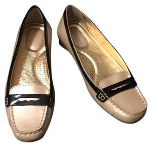 Sperry Black and Light Tan Patent Flats