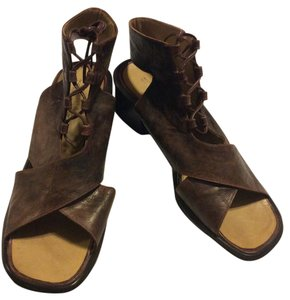 ROMAN (UK) Brown Sandals