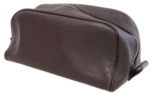 Louis Vuitton Toietry Puoch Leather Taiga Brown Travel Bag