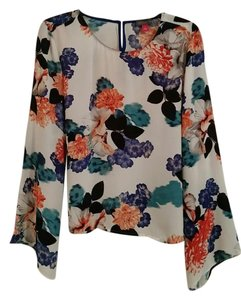 Vince Camuto Floral Flowy Top