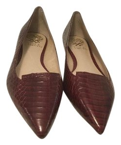 Vince Camuto Brown embossed leather snake pattern Flats