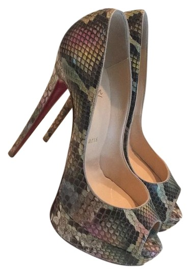 Preload https://img-static.tradesy.com/item/19021147/christian-louboutin-aquarelle-ladypeep-platforms-size-us-75-regular-m-b-0-1-540-540.jpg