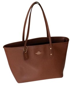 Coach Tote in Sable