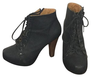 Foreign Exchange Black Boots