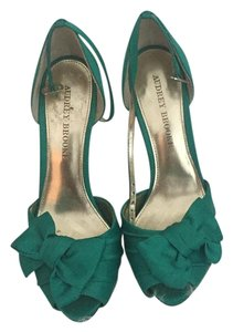 Audrey Brooke Green Sandals