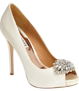 Badgley Mischka Platform Ivory Pumps