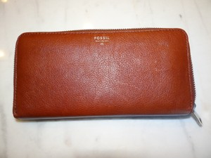 Fossil Fossil Sydney Continental Zip Clutch Wallet Brown Vintage Leather 70.00
